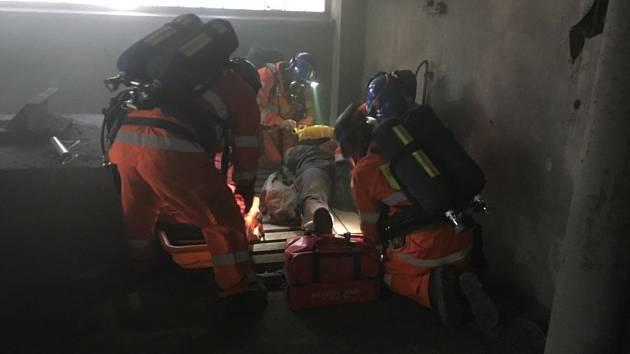 Záchranáři trénovali v elektrárně.