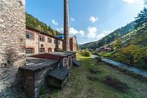 Nový majitel fabriky z roku 1868 v krkonošském Temném Dole Karel Chotek chce proměnit zanedbaný prostor v kulturní centrum, pivovar, regionální restauraci, pražírnu kávy či sušírnu hub.
