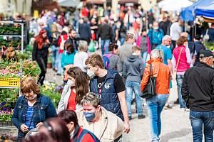 Zahradnické trhy v Kuksu přilákaly množství návštěvníků.