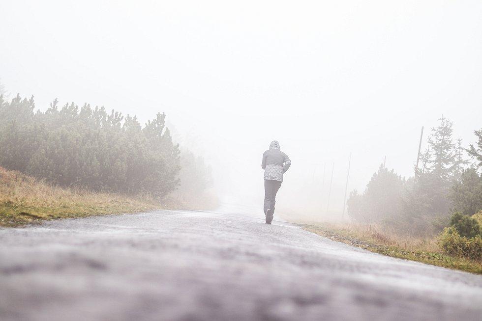 Počasí v Krkonoších v okolí Výrovky v pondělí 30. září 2019.