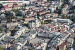 Krakonošovo náměstí v Trutnově na leteckém snímku.