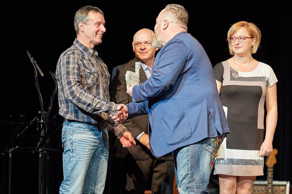 Milan Luštinec s firmou Galus Industries dostal cenu v kategorii Nejlepší výrobci a řemeslníci.