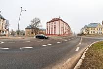 ŘSD postaví v Trutnově nový kruhový objezd u bývalé porodnice v Pražské ulici. Stavět začne buď ještě letos nebo příští rok na jaře.