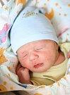 MATĚJ URBAN se narodil Daniele a Patrikovi 17. května ve 2.16 hodin. Vážil 2,98 kilogramu a měřil 48 centimetrů. Rodina má domov ve Vrchlabí.