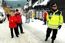 MĚSTSKOU POLICII z Trutnova využívají k zajišťování pořádku už řadu let například  v Peci pod Sněžkou.