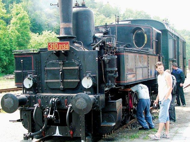 Historický vlak ve Dvoře Králové
