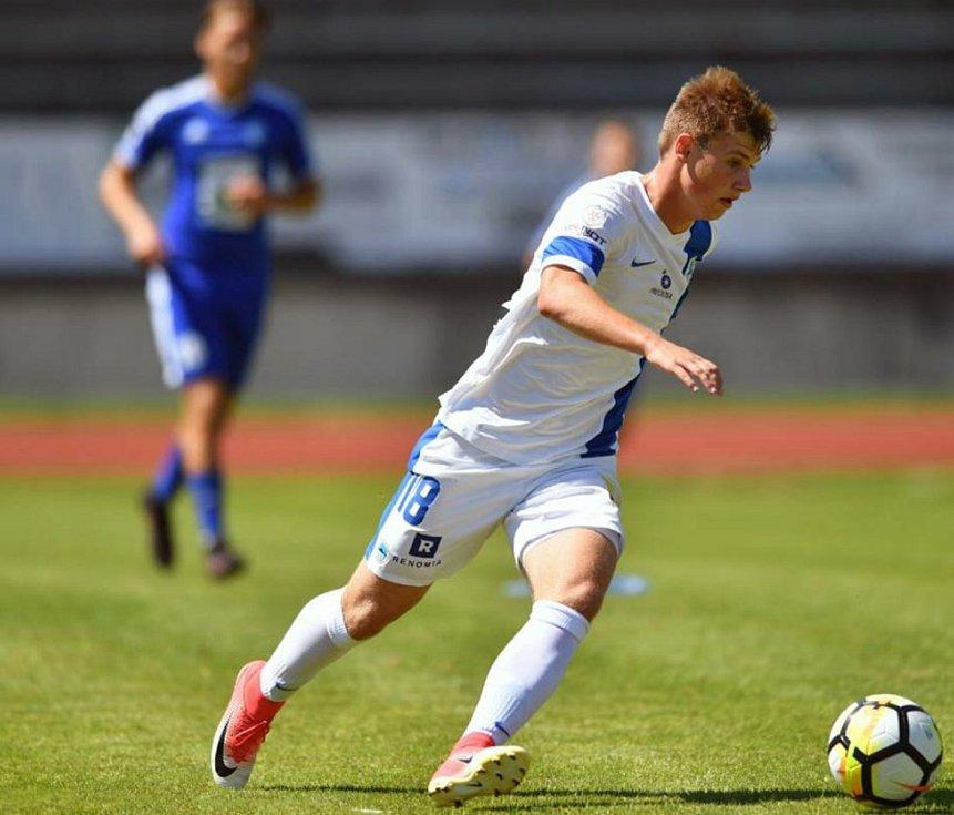 Dva talentovaní fotbalisté zamířili se svými kluby na mezinárodní pole.