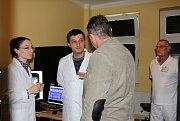 Zdravotníci z Arménie okukují rezonanci, dostanou ji darem.