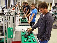 Studenti SPŠ ve Vrchlabí navštívili Tréninkové centrum převodovek DQ 200