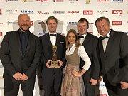 Delegace představitelů Skiareálu Špindlerův Mlýn získala v Kitzbühelu cenu pro nejlepší české lyžařské středisko.