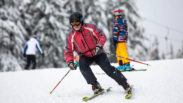 První lyžování v Krkonoších  na sjezdovce Anděl na Černé hoře.