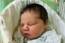 Lucinka se narodila 31. března rodičům Adéle a Jirkovi. Vážila 3,55 kg a měřila 49 cm. Rodina má domov ve Vysokém nad Jizerou.