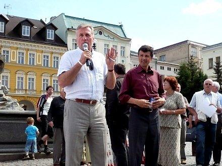 Mirek Topolánek a Oldřich Vlasák v Trutnově