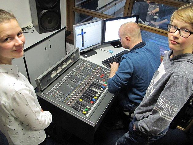 Školáci natáčeli film o tom,jak žili lidé z Podkrkonoší.
