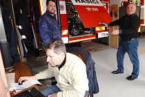"""Když jsou hasiči, jak se říká """"jedna ruka"""", vše se daří"""