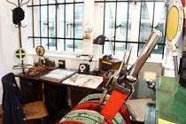 ÚSPĚŠNÁ VÝSTAVA. Kromě historických souvislostí je tu k vidění řada historických artefaktů a dokumentů. Veřejnost o výstavu projevila velký zájem.