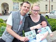 krásnějším miminkem Krkonošského deníku se stal Filip Mašek z Trutnova, který se narodil 18. dubna Janě Novotné a Vladislavu Maškovi v trutnovské porodnici. Rodina si ve čtvrtek převzala cenu za vítězství v anketě Krkonošského deníku.