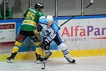 Vrchlabští hokejisté derby na ledě Dvora Králové zvládli.