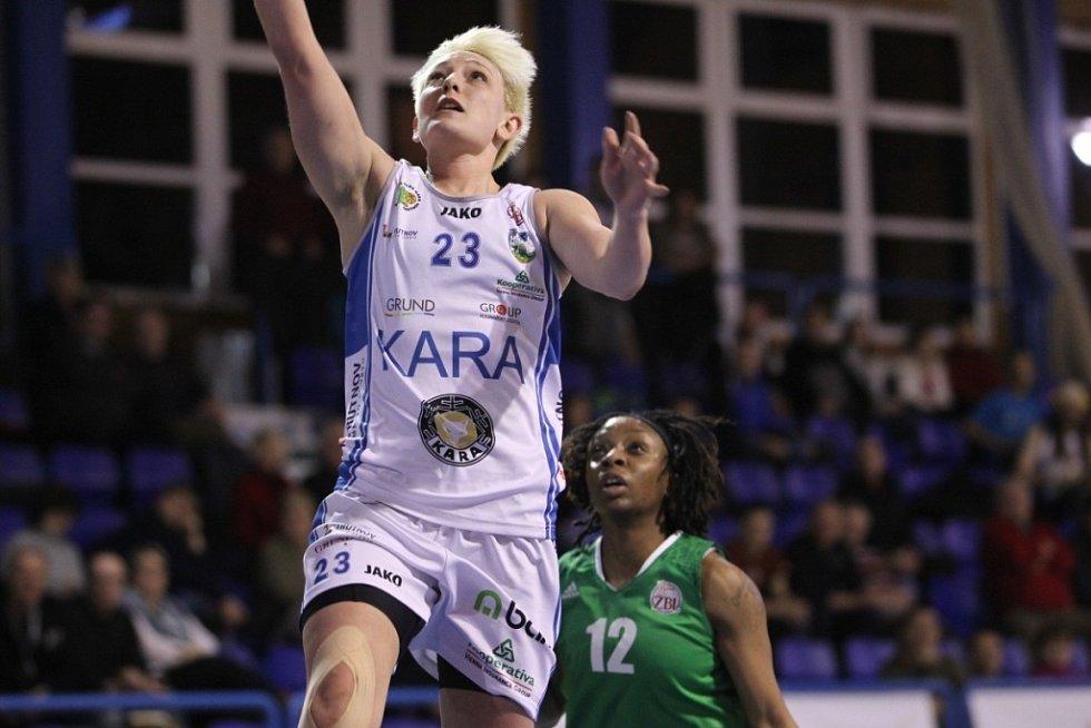 Basketbalové utkání Kara Trutnov – VŠB Ostrava.
