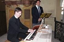 Festival Hudební léto Kuks zahájili dva umělci: Plachetka a Kšica