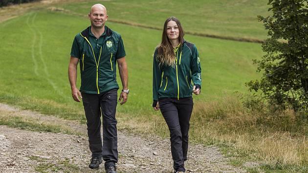 Pracovníci Správy Krkonošského národního parku mají nové uniformy.