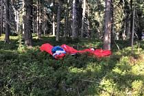 Záchrana paraglidistky pod Černou horou