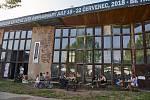 Premiérový festival kávy a jazzu na trutnovském Bojišti.