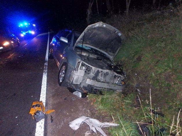 Páteční nehoda vLamperticích. Vpéči zdravotnické záchranné služby skončili dva lidé.