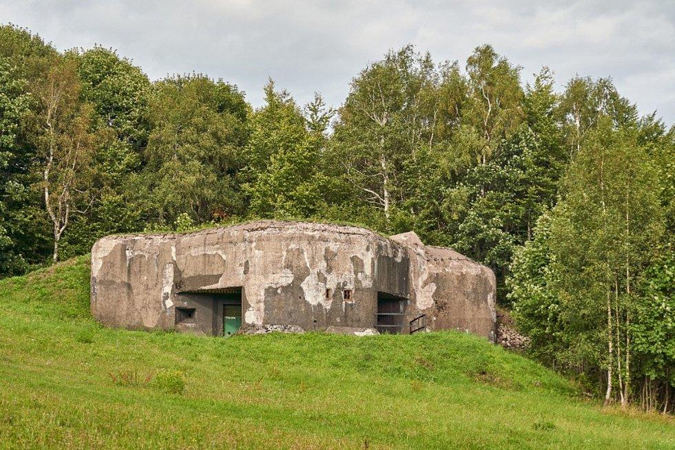V bunkru T-S 81a na pevnosti Stachelberg bude letos zabetonovaná 1,5 tuny těžká střílna.