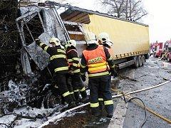 Tragická dopravní nehoda mezi Turnovem a Sedmihorkami.