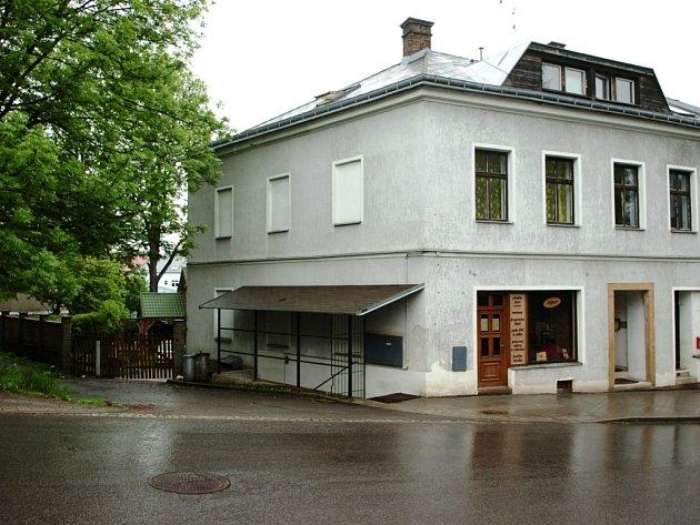 Místo činu - ulice Lomní v Trutnově.