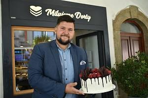 Dominik Mervart, živnostník roku 2021 Královéhradeckého kraje, vyrábí dorty ve Dvoře Králové nad Labem.
