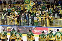 Jedenácté podkrkonošské derby v sezoně ovládl na vrchlabském ledě tým Dvora Králové
