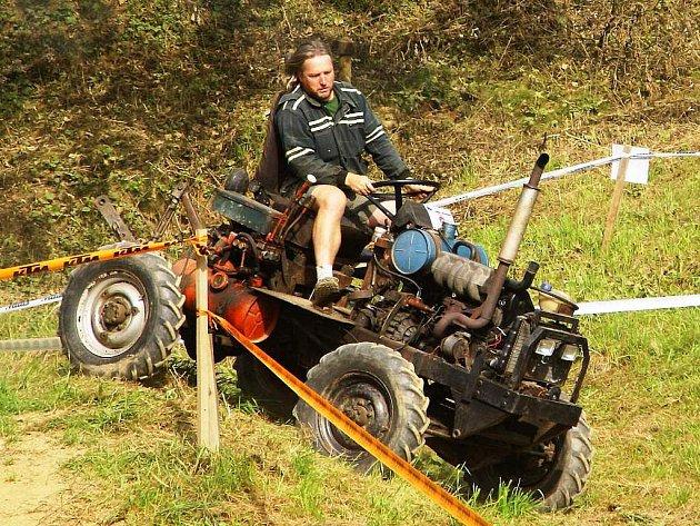 Závody traktorů - 2011