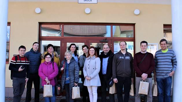 Ředitelé škol z Trutnovska vyrazili za cimbálem na jižní Moravu