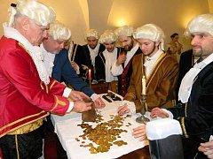 Královédvorští radní po 300 letech prodali hraběti Šporkovi Nový Les