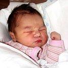 MARIE MAČOVÁ se narodila 5. září ve 4.45 hodin Martině Oračkové a Adamu Mačovi. Vážila 3,7 kilogramu a měřila 50 centimetrů. Doma v Žacléři se na sourozence už těší i sestřička Sára.