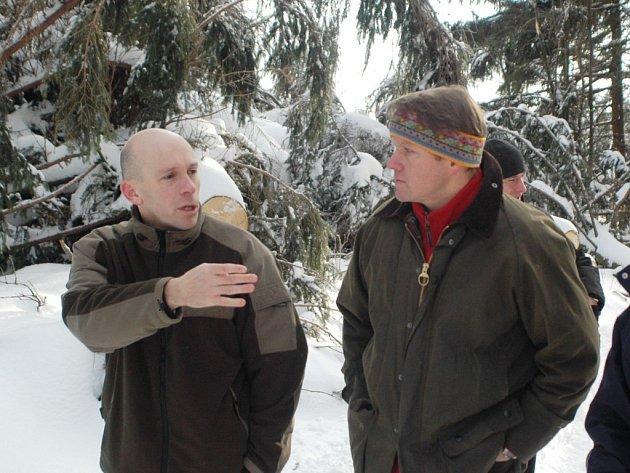 Jan Hřebačka s ministrem Bursíkem.
