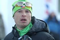 BĚŽEC NA LYŽÍCH  a specialista na dlouhé běhy Stanislav Řezáč, se ve Špindlerově Mlýně bude muset obejít bez svých lyží. Přesto se na jeho vytrvalost mohou fanoušci těšit.