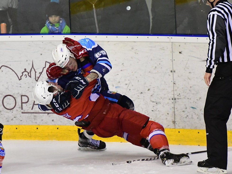 Hokejisté Nové Paky v derby statečně vzdorovali vrchlabskému favoritovi.