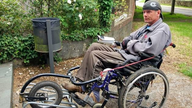 JAN DUŠEK se na invalidním vozíku vydal i se synem na více než 600 kilometrů dlouhou cestu Španělskem.