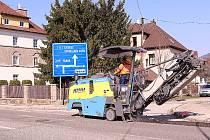 Rekonstrukce Komenského ulice ve Vrchlabí přináší řadu změn v dopravě.