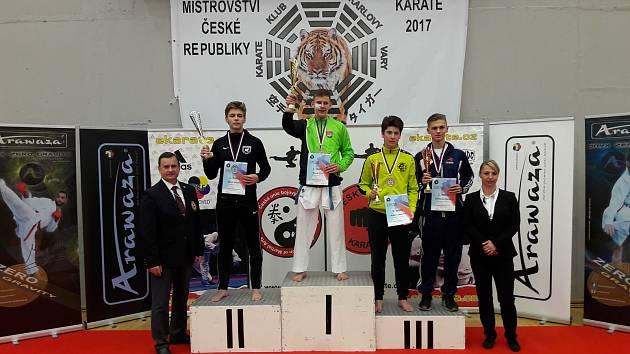 Junior Dominik Majera si z republikového šampionátu přivezl cennou medaili za třetí místo.