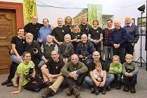Třiadvacet fotografů v klášteře