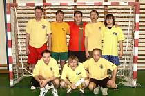 TAK TO JSOU ONI! Hráči Baníku Žacléř, týmu, jenž kraloval čtvrtému ročníku Zifčák Sparta Cupu, který se konal v Úpici.