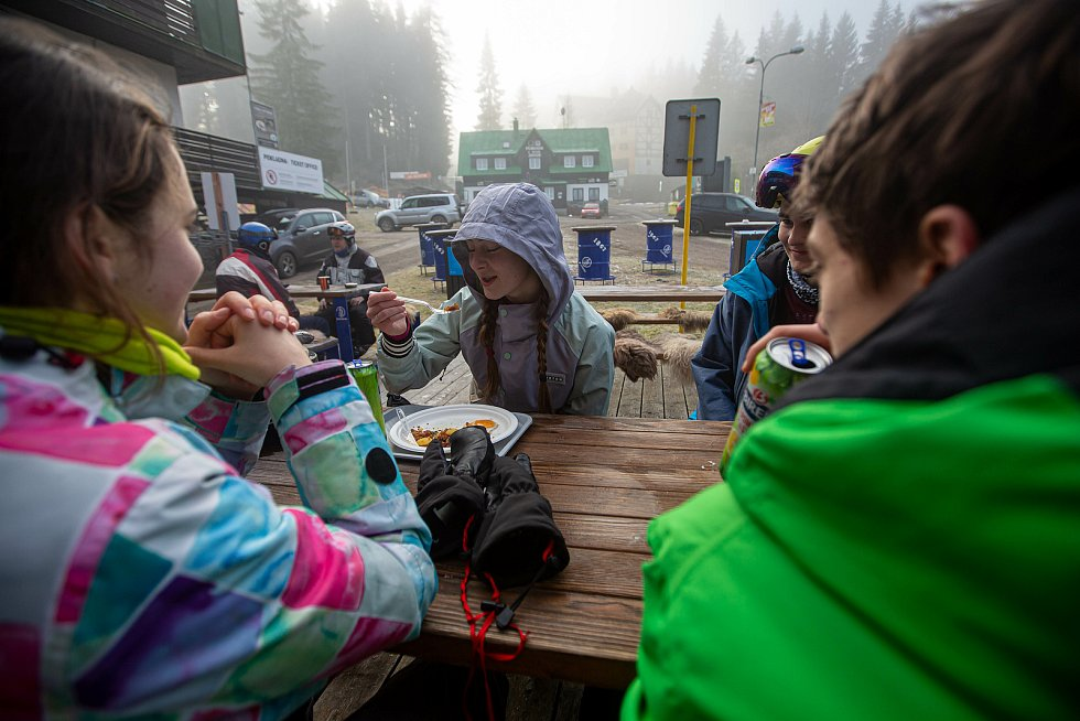 Zahájení lyžařské sezony v Peci pod Sněžkou