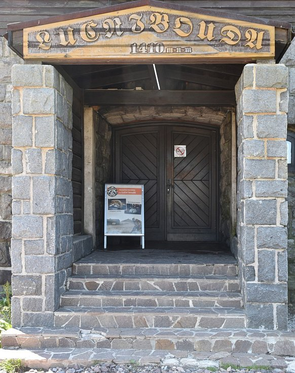 Na Luční boudě si připomněli 395 let od položení základního kamene nejvýše umístěné horské chaty.