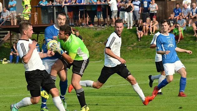 Jejich vzájemný souboj před nedávnem skončil remízou. Teď se fotbalisté Bělé a Košťálova-Libštátu vyhřívají na druhé resp. třetí příčce.