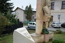 Pomník v Trotině.