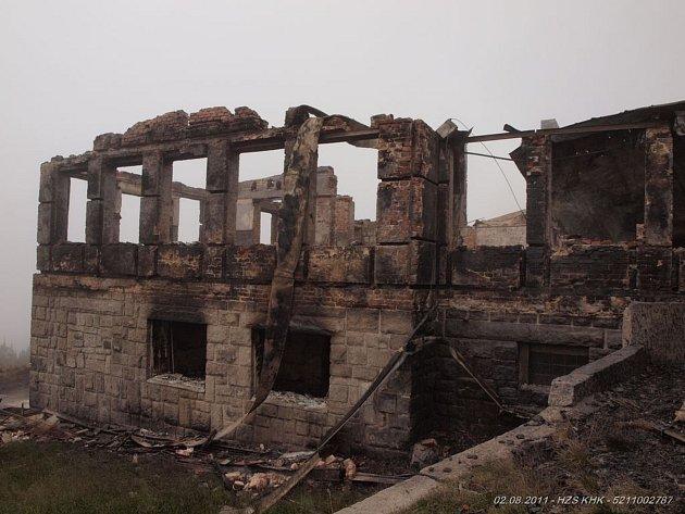 Petrovka 1.8.2011 a foto z výstavby.